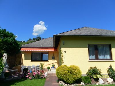 large comfortable house for 2 to 6 people, right on the Mosel, with Wi-Fi