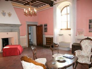 Cortona area apartment photo