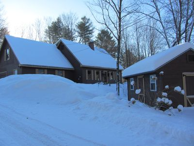 Beautiful home 3/4 mi from the capital and centrally located in Vt with hot tub