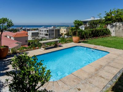 Centrally located with awesome views of the ocean; V & A waterfront; golfcourse;