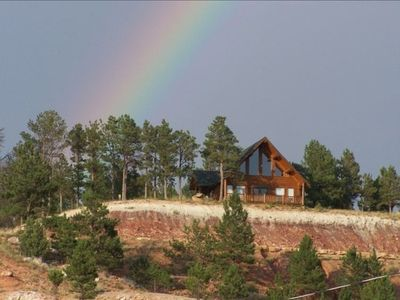 Hulett cabin rental - Custom Cabin on 8th hole of golf course w/ stunning views of Devils Towers