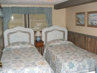 Eastham cottage photo - Twin Bedroom