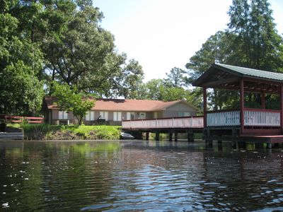 Vacation Pond House Retreat and/or Wedding Venue