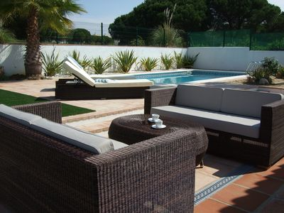 Luxury 4-bed Airconditioned Villa with heated pool, gardens and courtyard