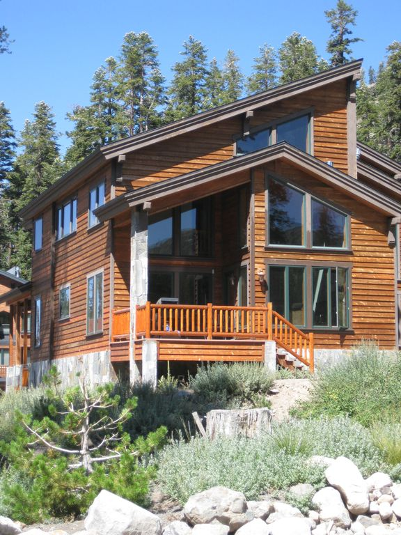 'Mountains Majesty' - Beautiful 5 BR, Easy Access to Slopes