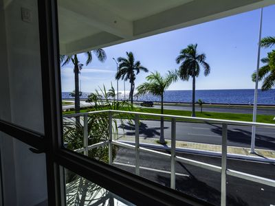 CASA MALECON, SEA FRONT WITH BEAUTIFUL VIEWS TO THE OCEAN, A PLACE TO ENJOY.