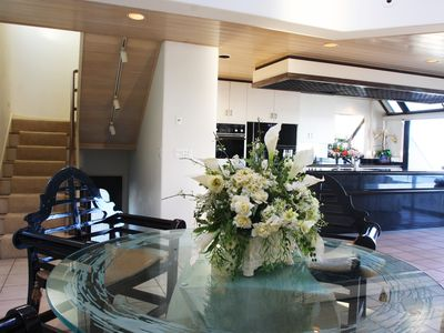 Malibu house rental - Dining area.