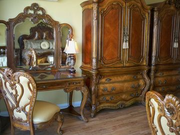 Revel in the Italian/French Inspired Palais Royale Rococo Designer Furniture !!!