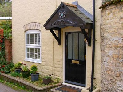 ORCADIA COTTAGE, family friendly in Sturminster Newton, Ref 916146