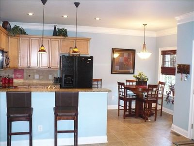 Ocean Lakes house rental - Plenty of eating areas