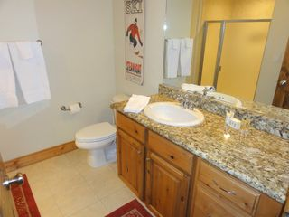 Steamboat Springs condo photo - 1st Bathroom