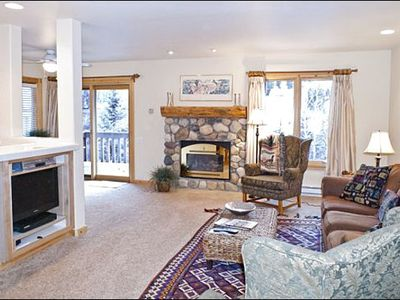 Ketchum condo rental - Gas Fireplace and Flat-Screen TV in the Living Room