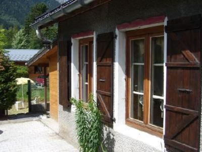 LOVELY AND TIPICAL MOUNTAIN CHALET IN FRONT OF MOUNT BLANC, ONLY 800 METERS FROM CHAMONIX CENTER