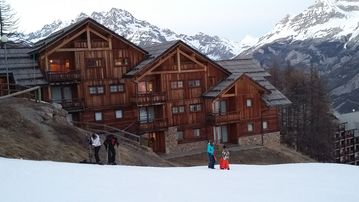 T3 Apartment 8 people in a chalet 3 star trackside