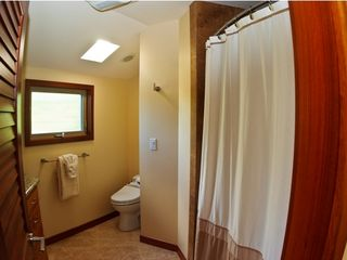 Kahala estate photo - Queen Bathroom w/shower& bath