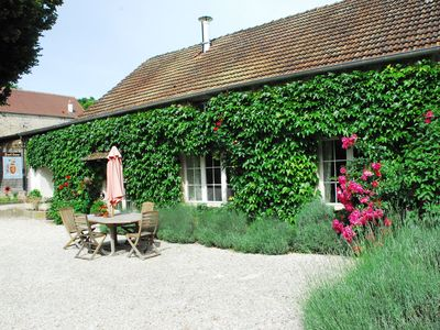 Coach House & Spring Cottage.  Delightful homes from home in rural Burgundy - Spring cottage