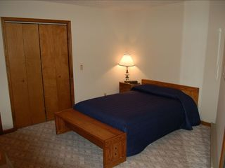 Massanutten house photo - Downstairs bedroom with queen bed