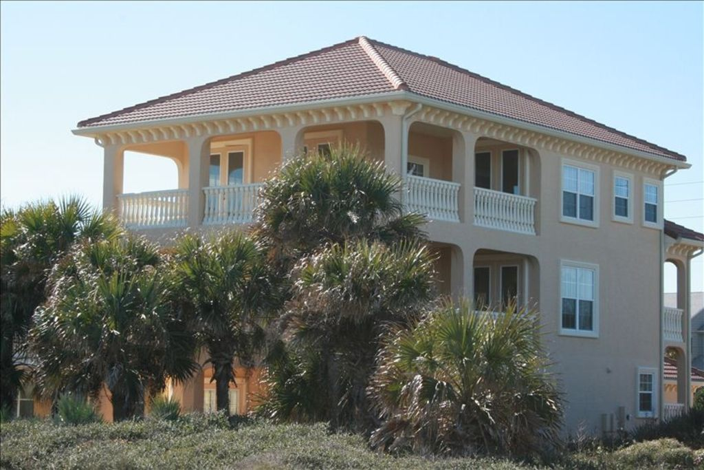 Luxury oceanfront three story home elevator vrbo for Three story beach house