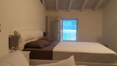 Beautiful modern apartments with views of the lake in the picturesque village of Cassone