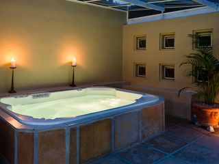 Constantia villa photo - Candle light 8- seater Jacuzzi