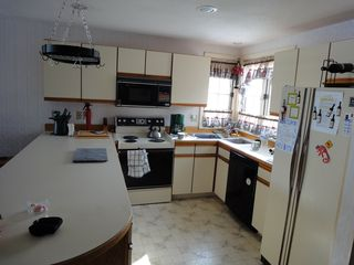 Ossipee Lake townhome photo - Full fitted kitchen