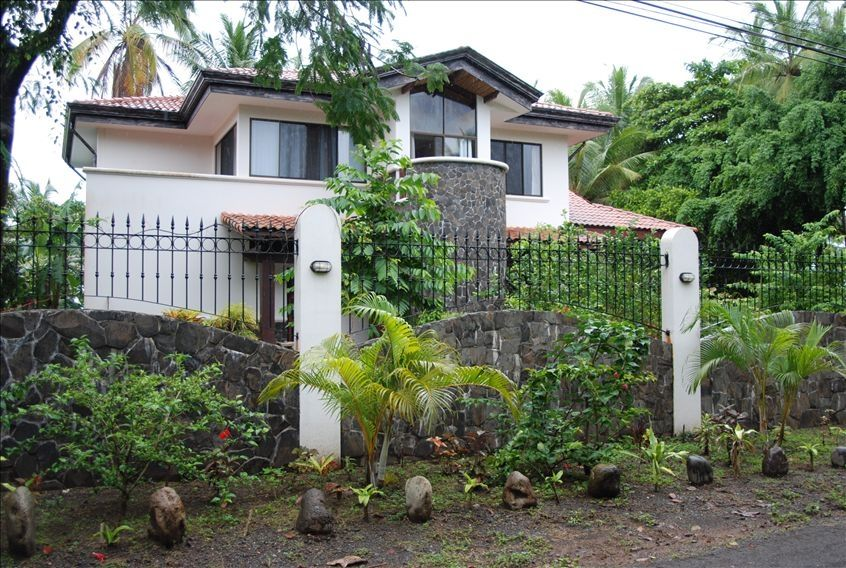 Object moved for Beach house rentals costa rica