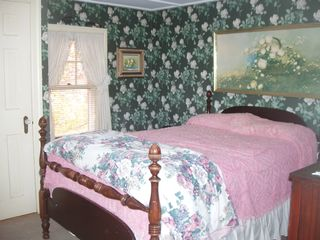 Hampton Beach house photo - Rose room, double bed