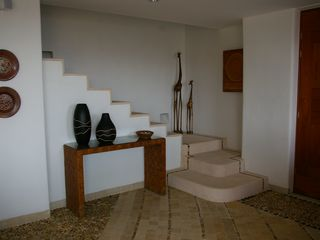 Zihuatanejo condo photo - Entry and Stairs