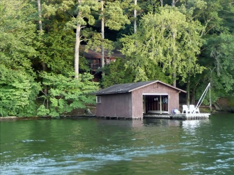 New listing fishing paradise vrbo for Fishing cabin rentals
