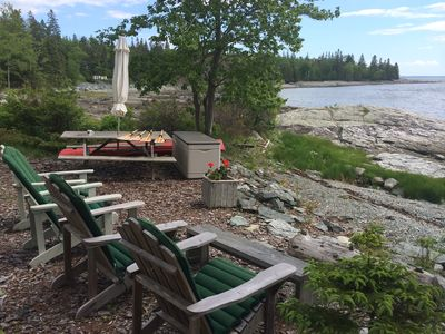 Beachfront, with picnic area & kayaking gear