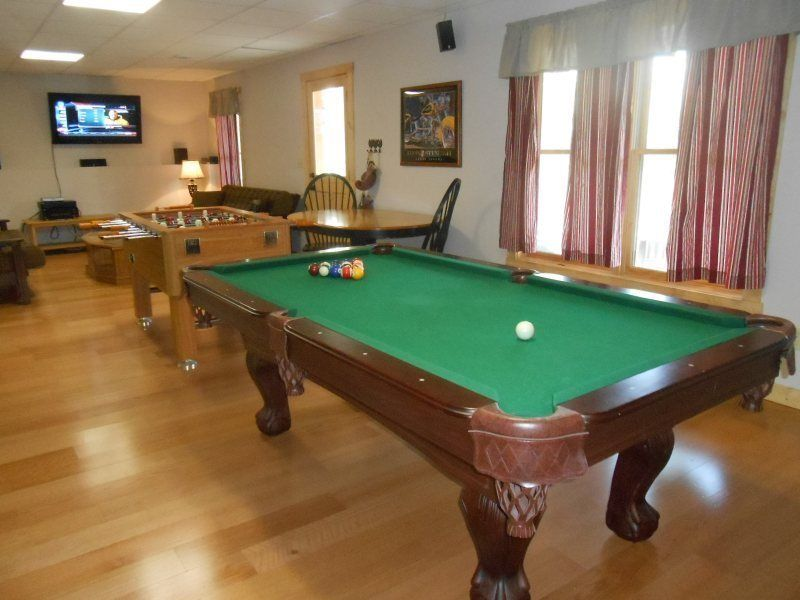 Property code red feather vrbo for 10 in 1 pool table