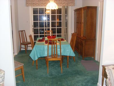 dinning area (kitchen to left)