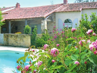 Attractive holiday home with a private pool and playground in the Vendée