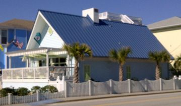 Wrightsville Beach cottage rental - The Sand Crab Cottage ~ Right on The Loop!