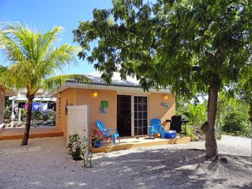 Providenciales - Provo cottage rental - Sweet Escape Guest Cottage II Barbecue Grill Deck.