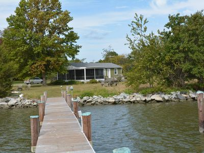 Cozy waterfront cottage with  large screened porch & scenic views on Peninsula