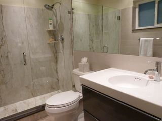 Boca Raton villa photo - Master ensuite bathroom (Marble Step-In Shower)