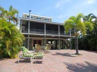 Close To Beach - Mid-Island Canal Home With Boat Dock And Lift