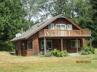 The C.C. Ranch -3 bed, 2 and 1/2 bath, fully fenced, dog friendly in Freeland