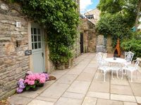 LITTLE TREE COTTAGE, pet friendly in Addingham, Ref 911862