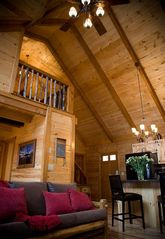 Stanardsville cabin photo - Stunning vaulted ceiling.
