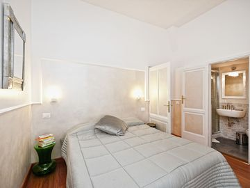 Comfortable and quiet B & B in the historic center of Rome