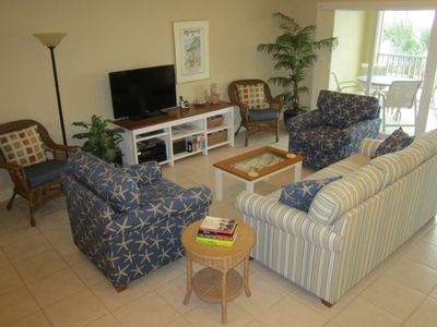 Spacious Living Area & Lanai