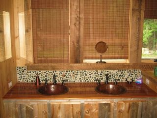 Lake Placid chalet photo - Upstairs Bathroom