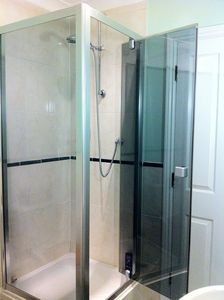 1 bedroom apartment - Walk-in shower