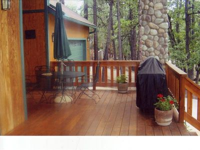 Pinetop cabin rental - Enjoy the 38 foot deck