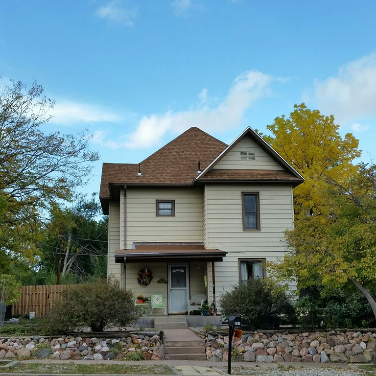 2 bedroom suite in private home minutes north of historic downtown Canon City.