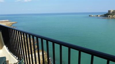 Self Catering Apartments In Front Of The Beach - Ideal Breaks - Theos 3 bedroomed Seafront Apartment