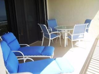 St. Augustine condo photo - Comfy Cushioned Loungers & Bay Sal Sling Chairs