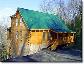 Mountain Retreat that sleeps 6. View, Indoor/Outdoor Fireplaces, hot Tub Pool Table & Jacuzzi